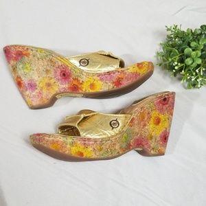 Born Gold Floral Wedge Cork Sandals Shoes Sz 4/34